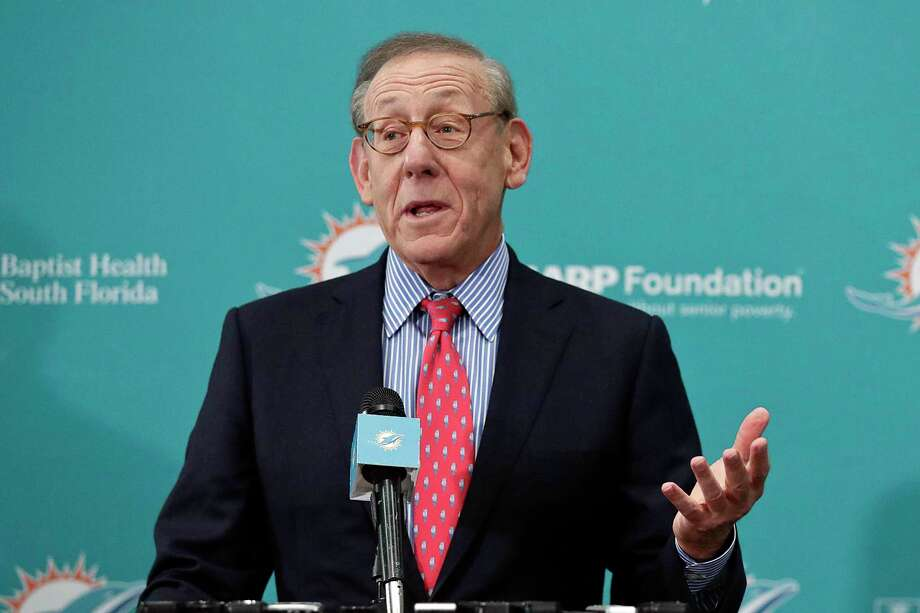Billionaire Stephen Ross, owner of Equinox and SoulCycle, has come under scrutiny for supporting President Donald Trump. Photo: Brynn Anderson /Associated Press / Copyright 2019 The Associated Press. All rights reserved.