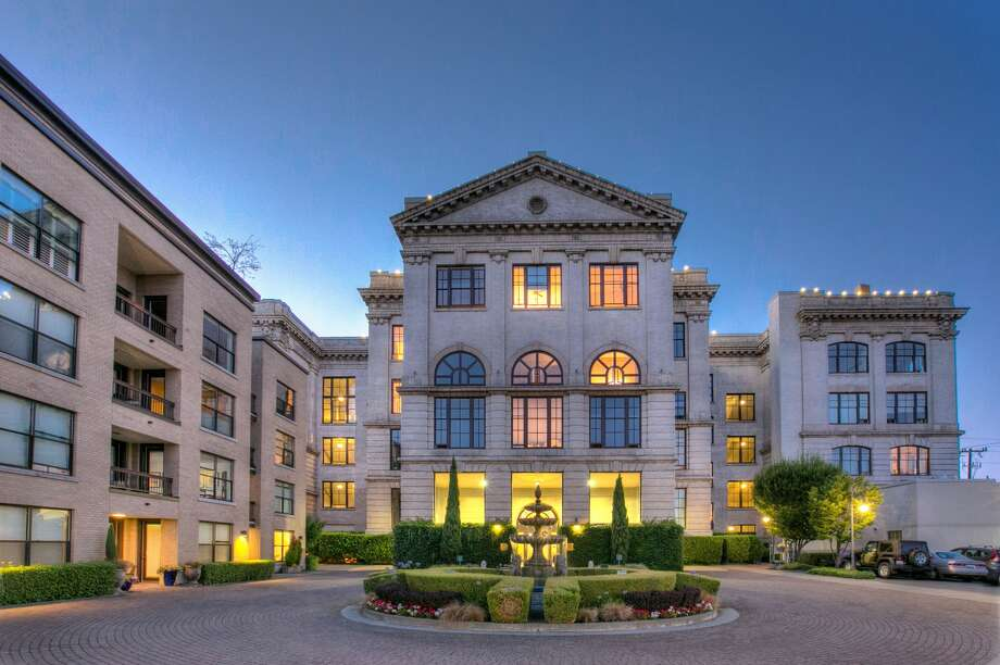 Back to school! This Queen Anne High School condo asks $545K Photo: Greg White