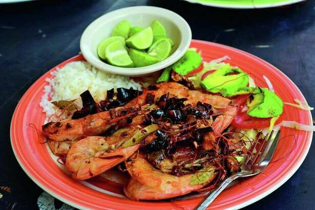 Camarones al Ajillo (shrimp with garlic and chile) Photo: University of Texas Press