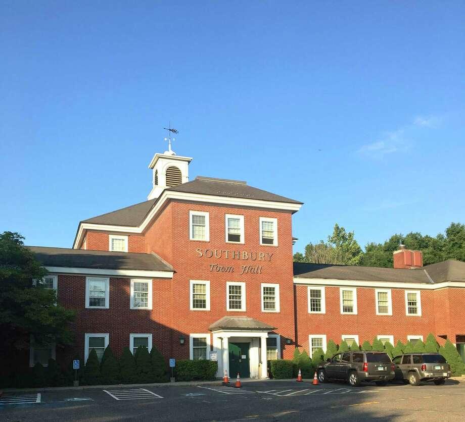 South bury Town Hall, Southbury, Conn. August, 2019 Photo: Katrina Koerting / Hearst Connecticut Media / The News-Times