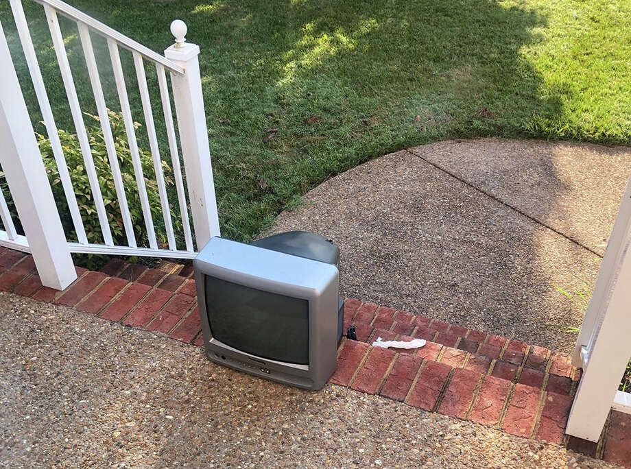 A television was left outside the Brooksbanks' home in Henrico County, Va., over the weekend. Photo: Photo Courtesy Of Jeanne Brooksbank / Courtesy