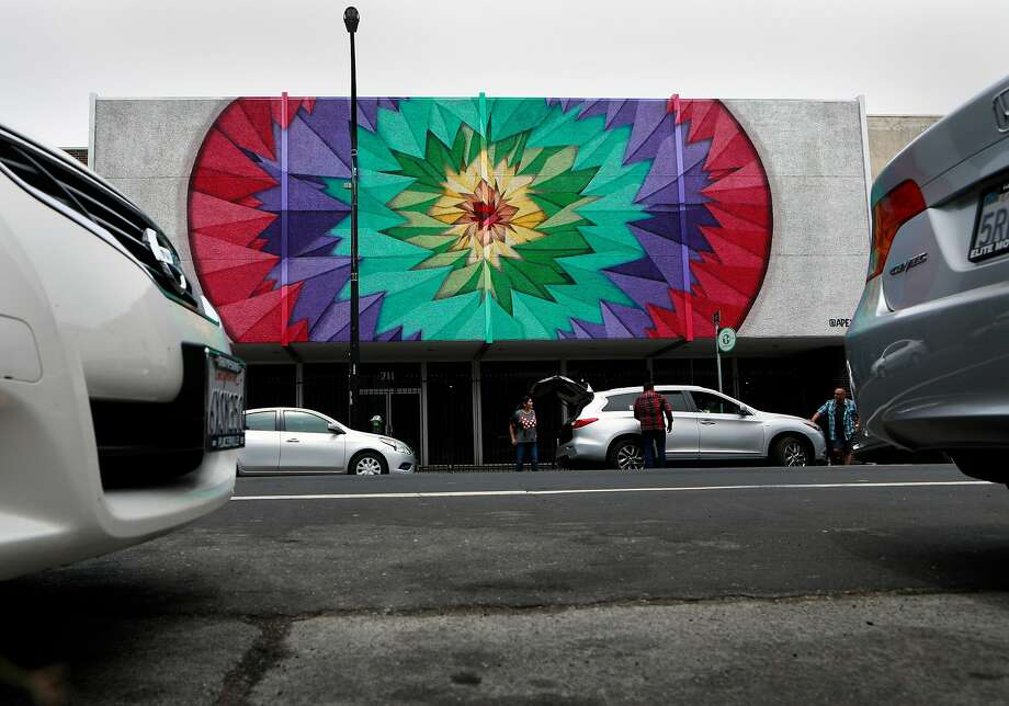 Mural by Apexer at 711 J St. in downtown Sacramento. Photo: Michael Macor / Special To The Chronicle
