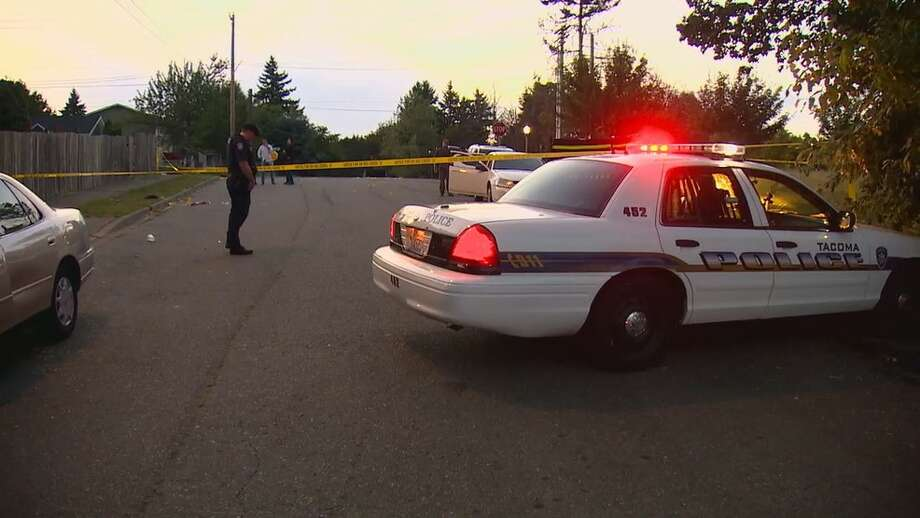 Two men were killed and three women were hurt in a shooting late Tuesday night in Tacoma. Photo: KOMO News Photo