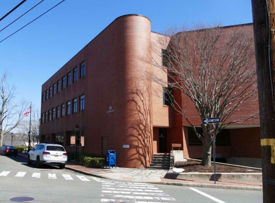 The New Canaan Public School District's headquarters is located at 39 Locust Avenue., in New Canaan, Connecticut. The district is gathering information on whether to use a pass/fail grading system for distance learning, according to Superintendent Dr. Bryan Luizzi. Photo: Contributed Photo