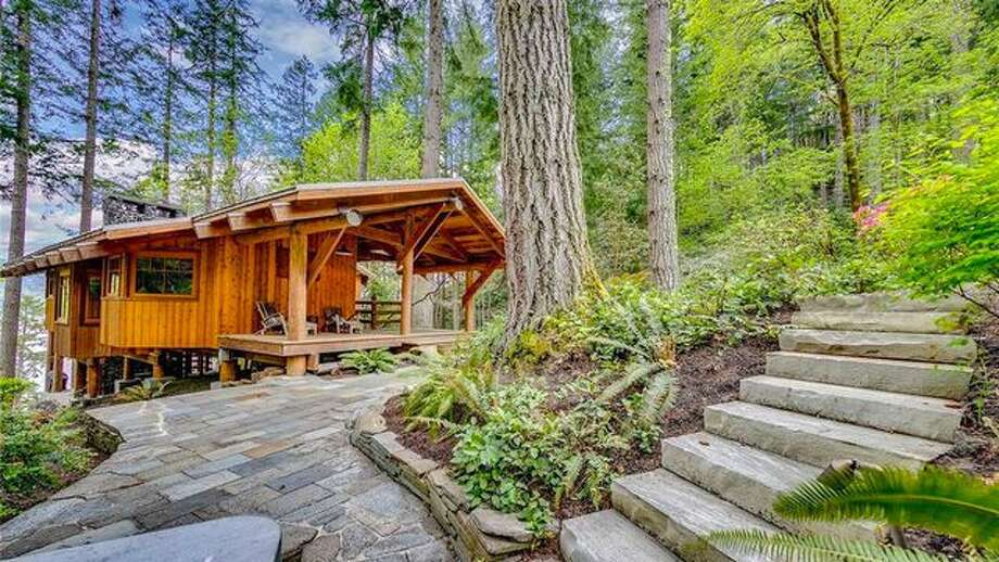 Climb Into A Luxury Treehouse With Waterfront Views Near Seattle