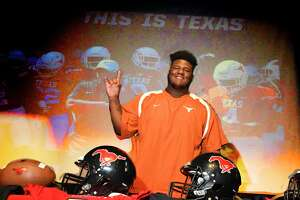 Westfield Football players (99) Keondre Coburn  University of Texas