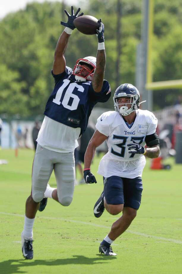 New England Patriots wide receiver Jakobi Meyers (16) reaches for a pass as he is defended by Tennessee Titans defensive back Amani Hooker (37) during a combined NFL football training camp Wednesday, Aug. 14, 2019, in Nashville, Tenn. (AP Photo/Mark Humphrey) Photo: Mark Humphrey / Copyright 2019 The Associated Press. All rights reserved