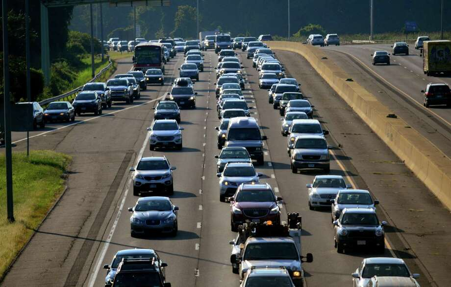 A view of rush hour traffic along I95 northbound from the Exit 18 overpass in Westport, Conn., on Wednesday, Aug 29, 2018. Photo: Christian Abraham / Hearst Connecticut Media / Connecticut Post
