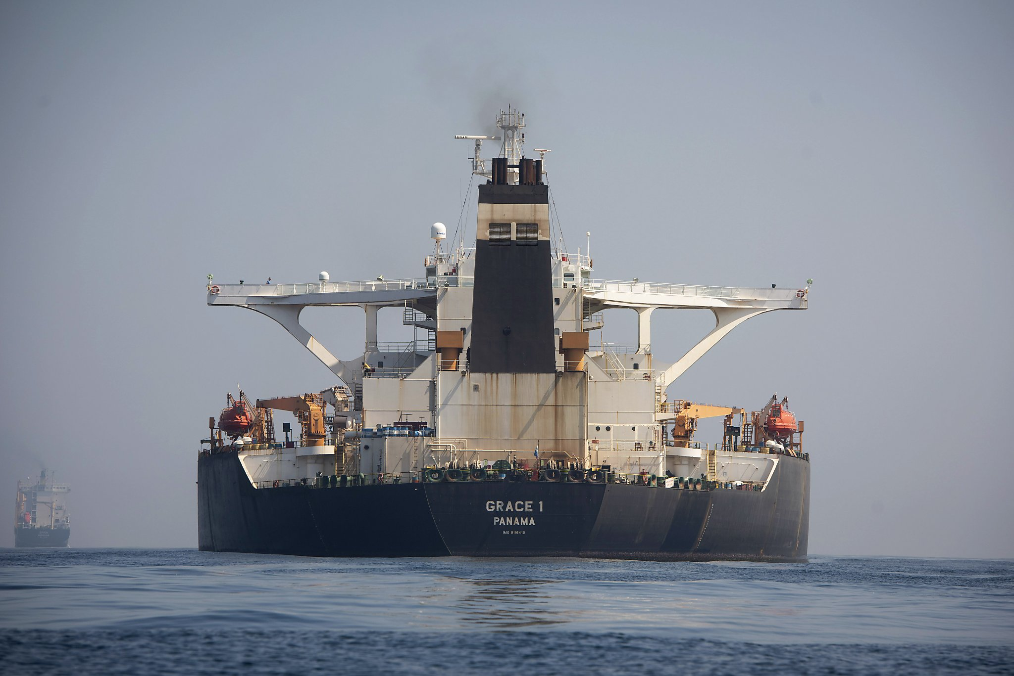 U.S. threatens sanctions over Iran tanker after court ruling
