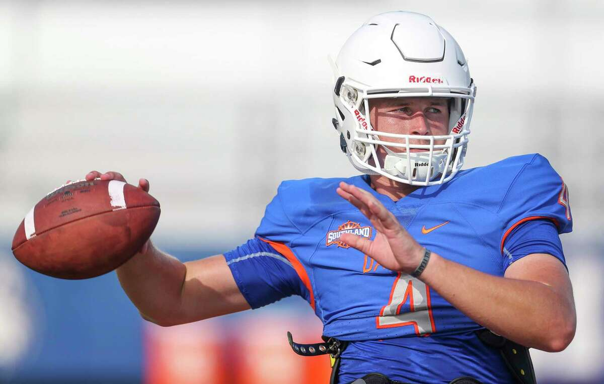 PHOTOS:College football players from the Houston area to watch in 2019 HBU quarterback Bailey Zappe (4) during practice on August 14, 2019 at HBU in Houston, TX. >>>Here are 10 college football players from the Houston area to keep an eye on for the 2019 season ...