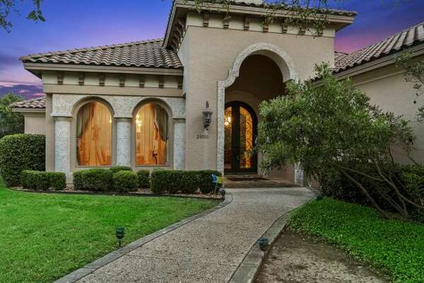 20006 Messina, San Antonio, TX 78258 Open House: Friday and Saturday from 1:00pm - 6:00pm Desirable Area! Gated community! Swimming pool! Make an offer! We are having refreshments! Contact: Lolis Latin - (956) 235-0978