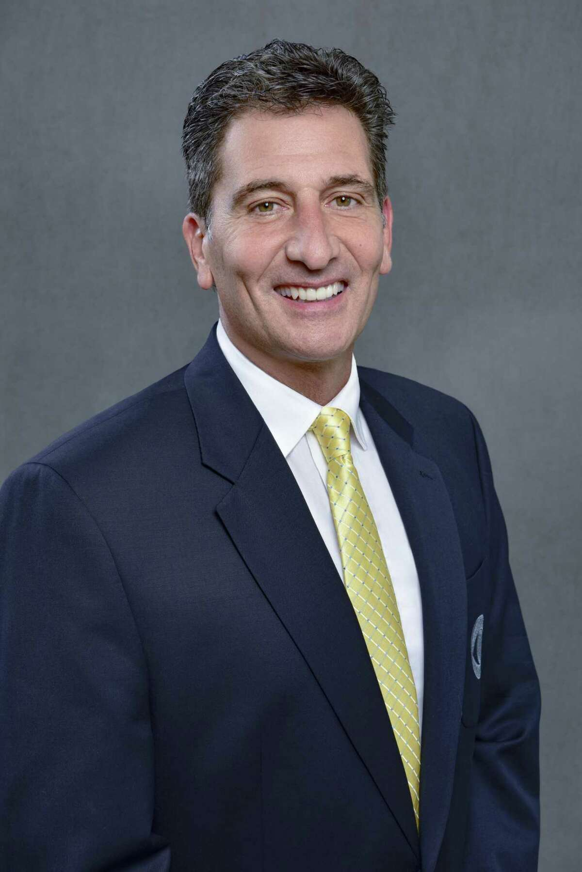Gene Steratore CBS NFL Rules Analyst. NFL on CBS Photo Cr.: John Paul Filo/CBS CBS Aƒ?A'c.2018 CBS Broadcasting Inc. All Rights Reserve