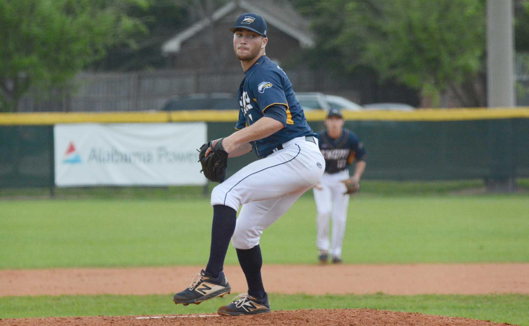Darien S Richard Brereton Helps Cotuit Claim Cape Cod Baseball