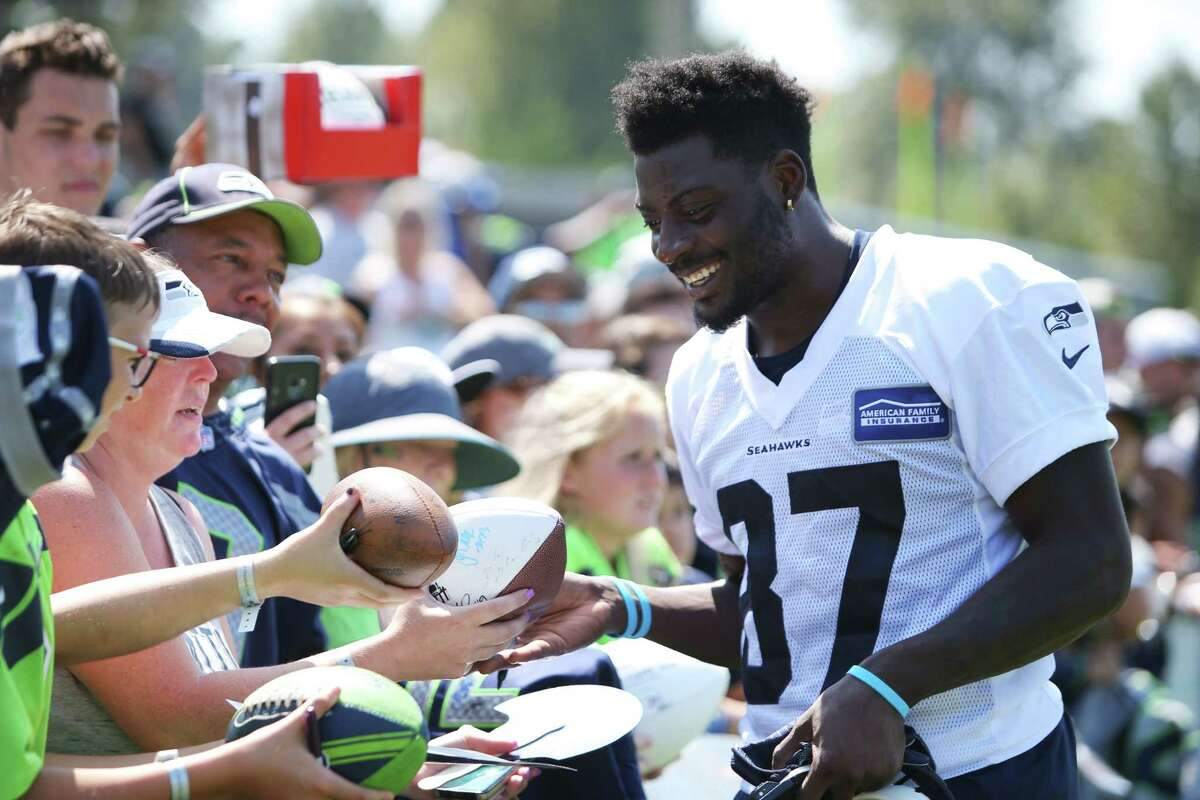 WILL WE GAIN MORE CLARITY (OR CONFUSION) AT WIDE RECEIVER? It looks like these four are locks to make the Seahawks roster at wide receiver: Tyler Lockett, David Moore, Jaron Brown, and rookie standout D.K. Metcalf. That leaves one spot available, possible two. Fourth-round pick Gary Jennings, undrafted rookie Jazz Ferguson, seventh-round pick John Ursua and Keenan Reynolds are essentially the frontrunners to take whatever roster room is left at this position. The 6-foot-5 Ferguson is the wild card. He has burst onto the scene the last couple weeks. He was the Seahawks' best-performing receiver at both the team's mock game and preseason opener against the Broncos last week. Pete Carroll has been high on him, especially after he reported to training camp 12 pounds lighter. His size, of course, makes him intriguing too. Another strong showing at Minnesota keeps Ferguson well in the mix to crack the 53-man roster. CONTINUED ON FOLLOWING SLIDE