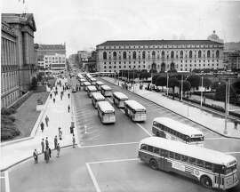 New buses circle around the Civic Center June 4, 1948