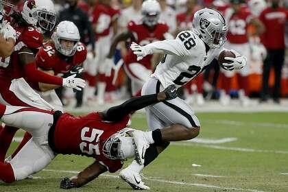 Raiders Josh Jacobs Hits Ground Running In Preseason Debut Sfchronicle Com