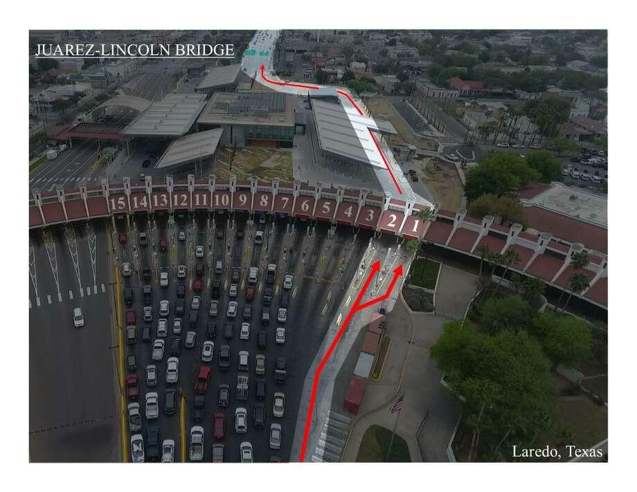 El carril designado contará con delineadores especiales y se ubicará en el extremo más oriental del puente II. Photo: Foto De Cortesía / CBP