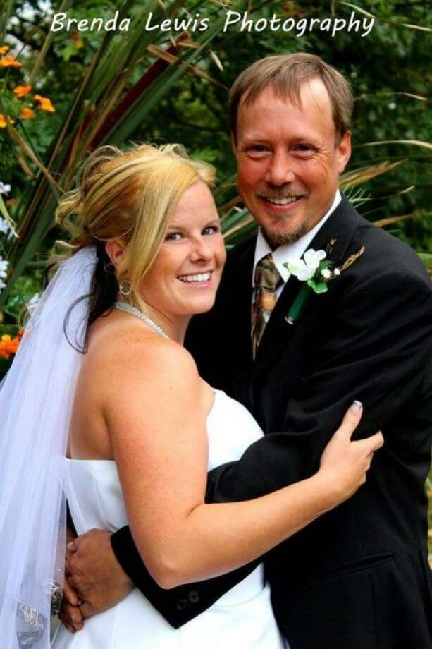WEDDING: Mr. and Mrs. C. Smith and Mrs. E. Lines would like to announce the marriage of Tracie L Smith, formerly of Frankfort, and Charles Lines. The couple were married Sept. 19, 2015.