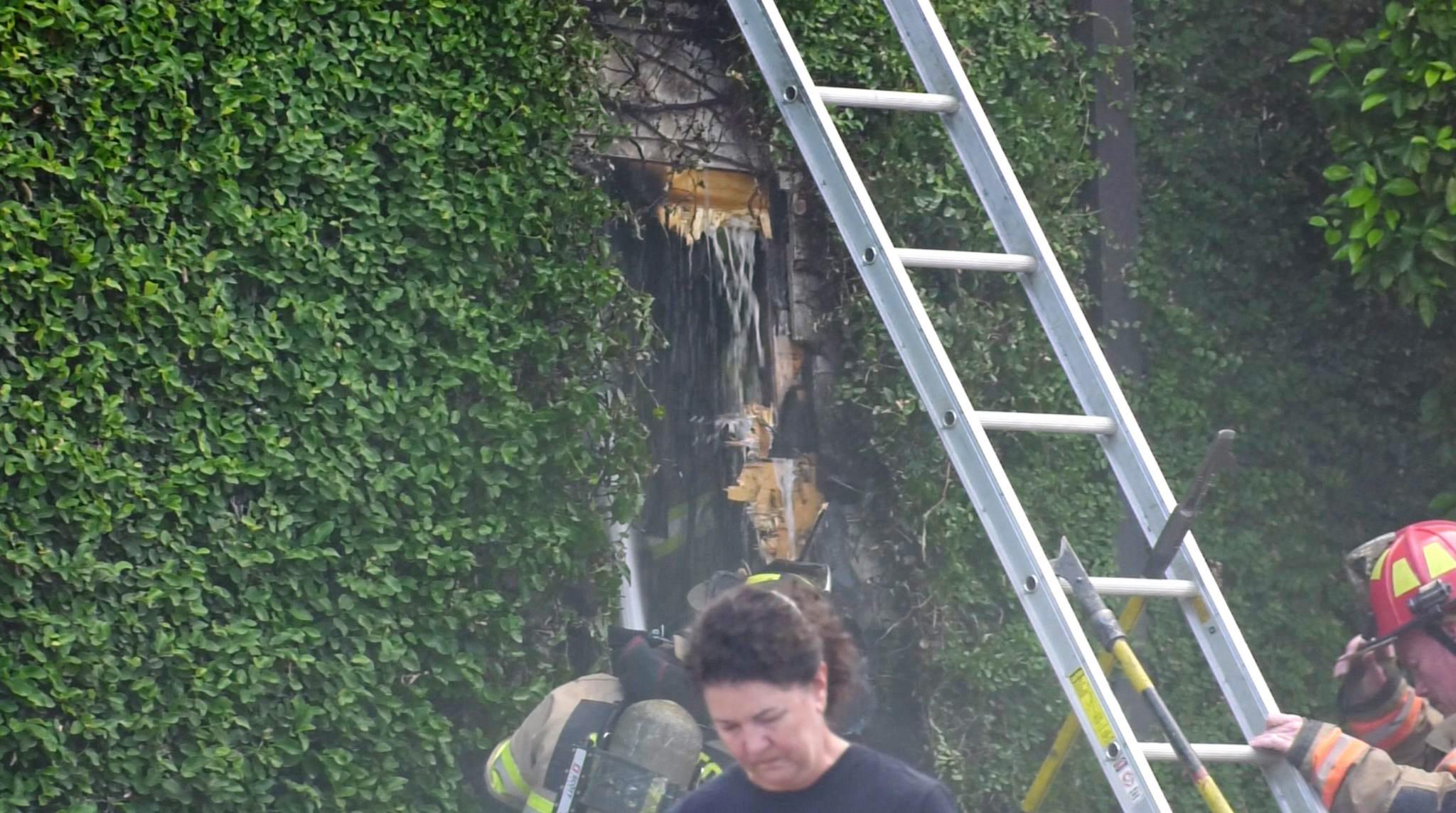 Fire breaks out at Backstreet Cafe in River Oaks