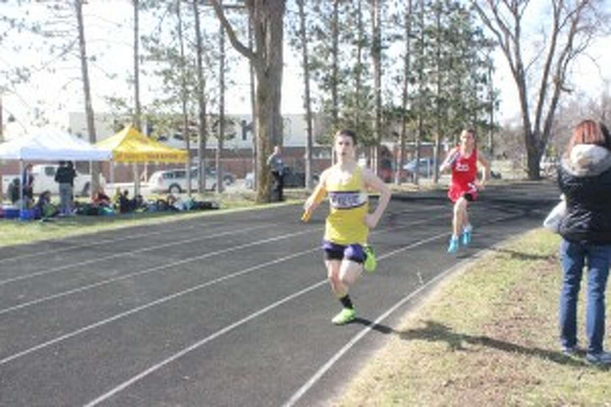 KEEPING THE LEAD: Frankfort High School runner Sean Waters keeps ahead rival runners. The Panthers competed well in the conference and state meets to finish the season. (Photo/Bryan Warrick)