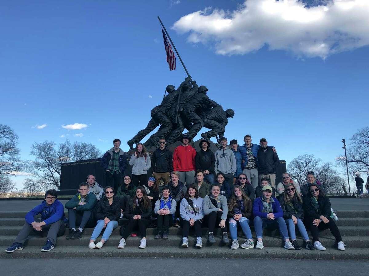 Frankfort seniors visit the World War II memorial. (Courtesy photo)