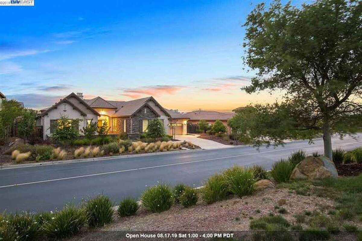 A single-story home in Hayward's Stonebrae Country Club features 4 bedrooms, 4.5 bathrooms spread across 3,468 square feet.