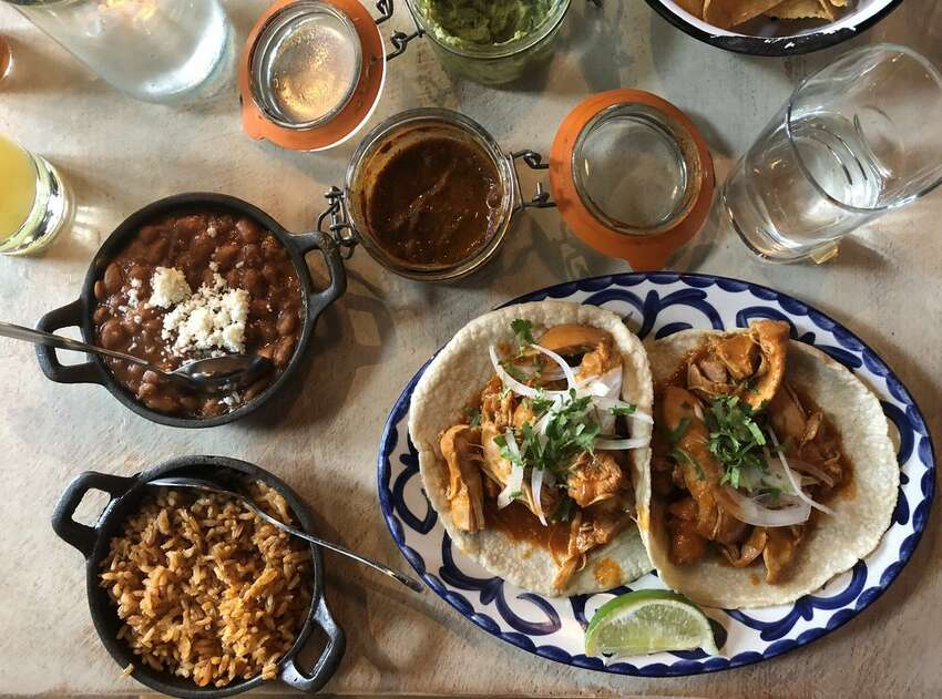 Casco Antiguo Daily 3-6 p.m.; Mexican ($4 beers, $6 wine)