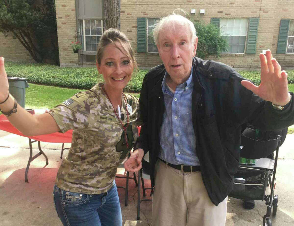 Treemont admissions and marketing director Kelli Walleck enjoys a fun moment with resident Rosario Chines.