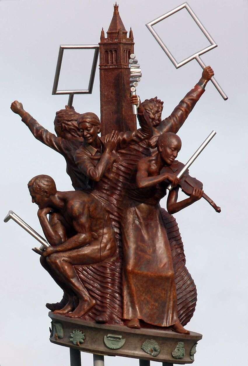 Scott Donahue's sculpture