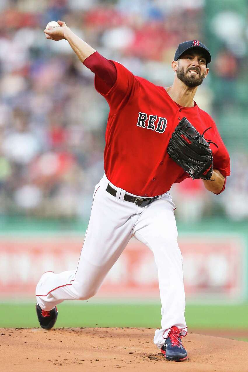 BOSTON, MA - AUGUST 16: Rick Porcello #22 of the Boston Red Sox pitches in the first inning of a game against the Baltimore Orioles at Fenway Park on August 16, 2019 in Boston, Massachusetts. (Photo by Adam Glanzman/Getty Images)