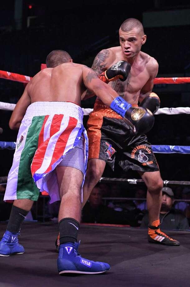 Laredos' Mario Jaramillo, right, defeated Manuel Rubalcava via unanimous decision Friday at Fight Fest 19. Photo: Cuate Santos /Laredo Morning Times