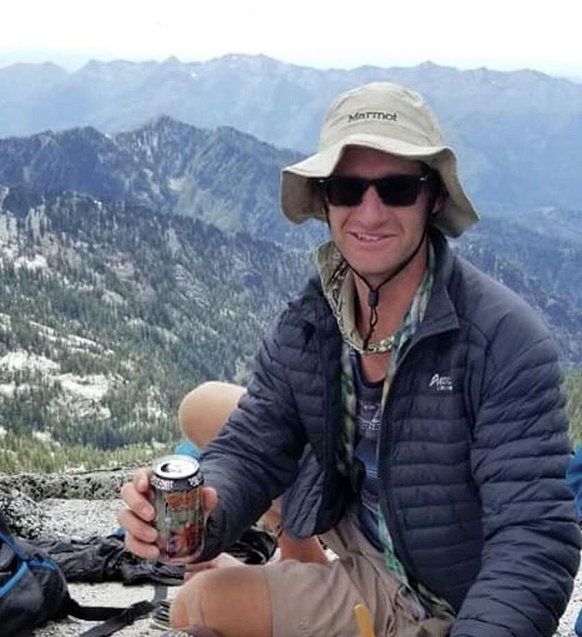 'Experienced' hiker disappears in Northern California mountains, search underway