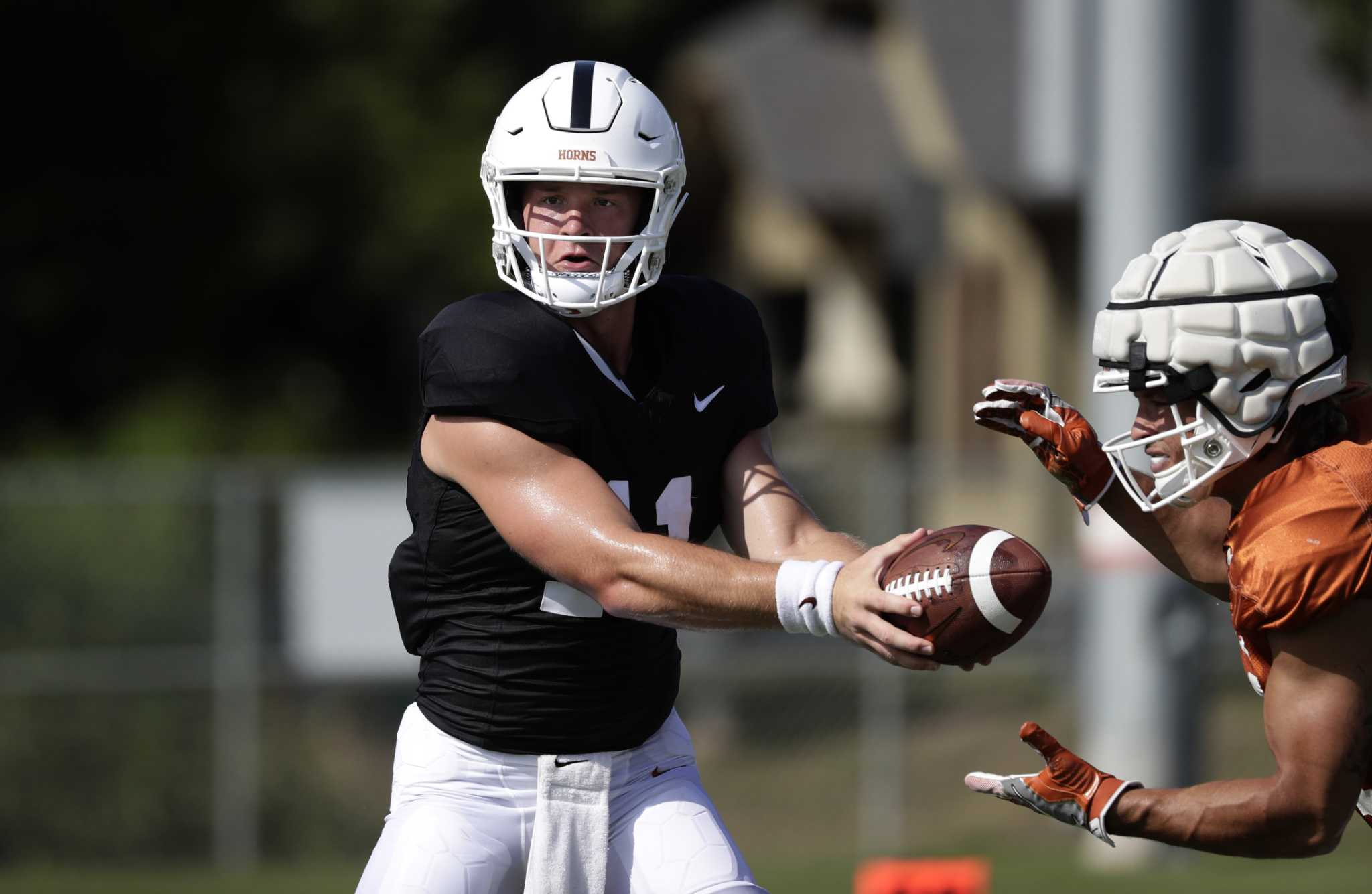 Longhorns extra points: Offense wins the scrimmage