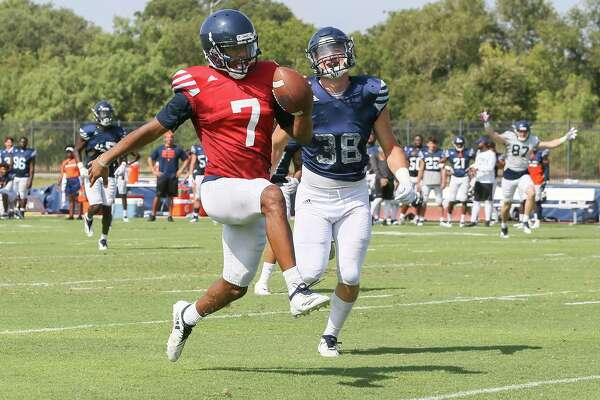 Frank Harris continues to shine as UTSA holds open practice