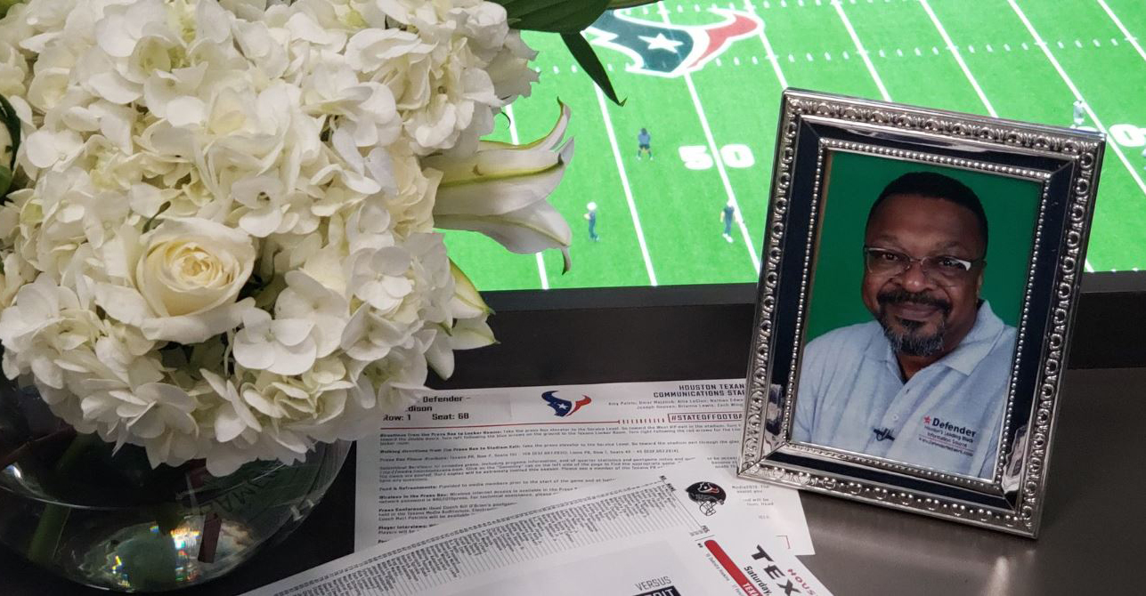 Texans honor memory of Max Edison