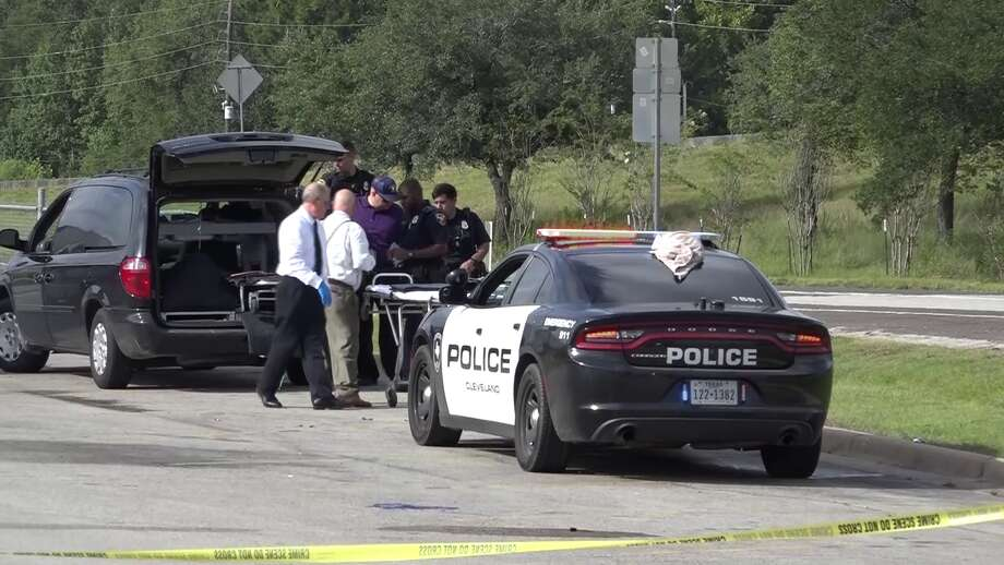 The body of a dead man was found in the ditch between a Cleveland Walmart and U.S. 59 Sunday morning, according to the Montgomery County Police Reporter. Photo: Scott Engle