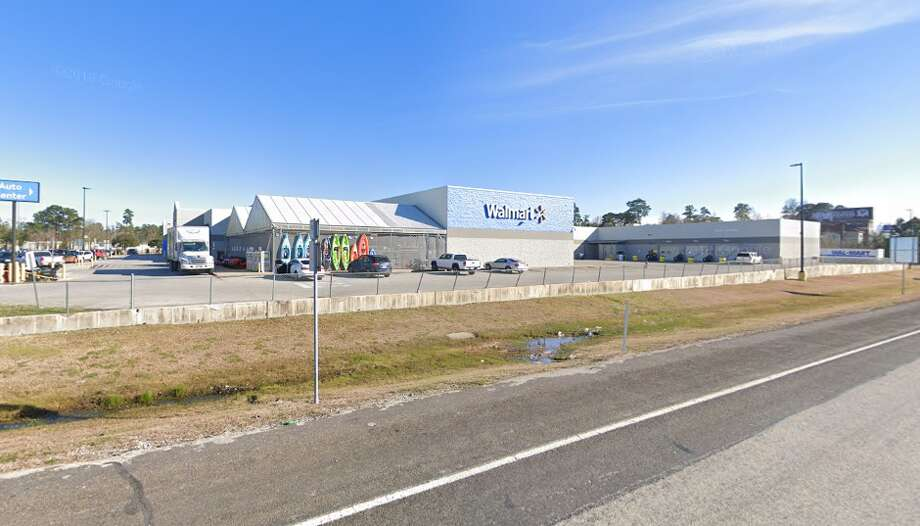 A man was found dead in a ditch along U.S. Highway 59 near a Walmart in Cleveland, Texas, on Sunday, August 18, 2019, according to Cleveland Police. Photo: Google Maps