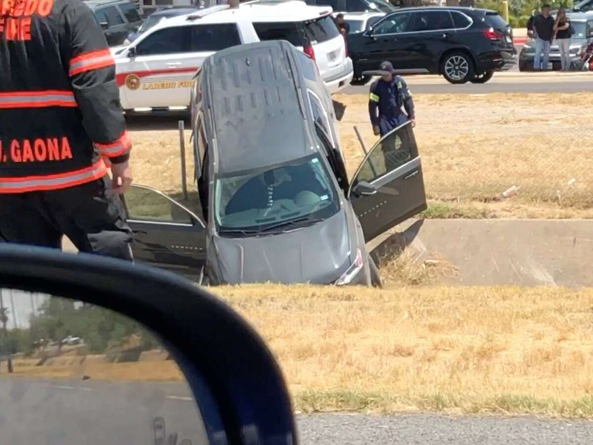Authorities responded to a three-car collision in on IH-35 in front of Mall Del Norte on Sunday, Aug. 18, 2019.