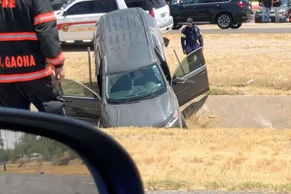 Laredo PD identifies two dead in three-vehicle collision