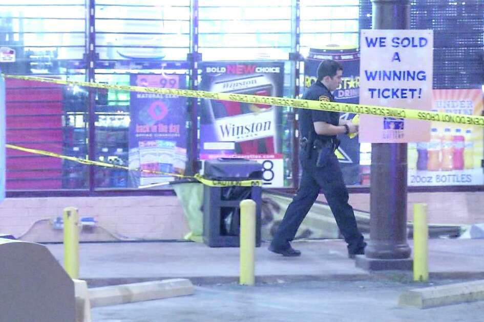 An argument at a local car dealership resulted in high-speed-chase shooting on the city's Northwest Side, San Antonio police said.