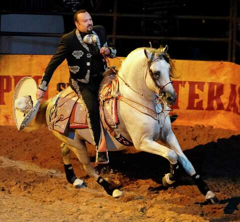Pepe Aguilar's Jaripeo Sin Fronteras is a family affair in