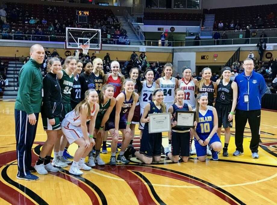 Kamryn Myers (last row, third from right) was in the state's 3-point shooting contest.