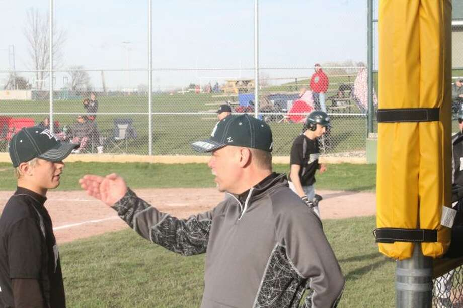 Shawn Ruppert and Bucks swept Crossroads/