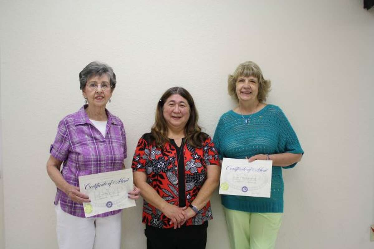 The Retired Senior Volunteer Program named its volunteers of the year during the annual recognition luncheon on Thursday in Big Rapids. Honored volunteers received a certificate and a pin. Pictured are (from left) Barbara Lytle, Osceola County; Linda Connell, RSVP director; and Susan Brown Havens, Lake County. Ann Yokiel, Mecosta County, was not in attendance. (Herald Review photo/Candy Allan)