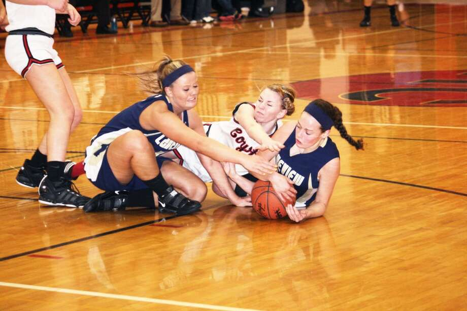 COMMITTED: Emma Lockhart goes after the ball in action during this past season. (File photo)