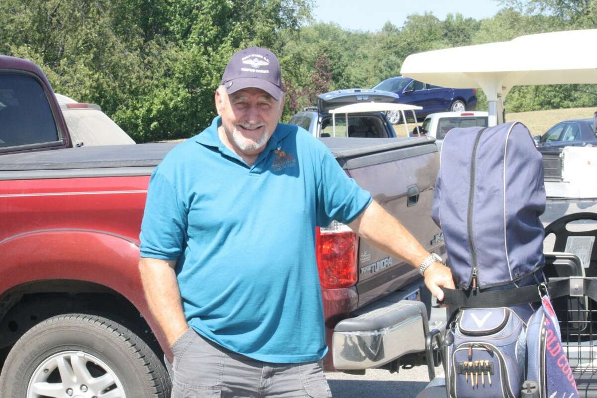 mens golf: Dick King gets ready for a Sunday Scramble at Spring Valley Golf Course. (Herald Review/John Raffel)