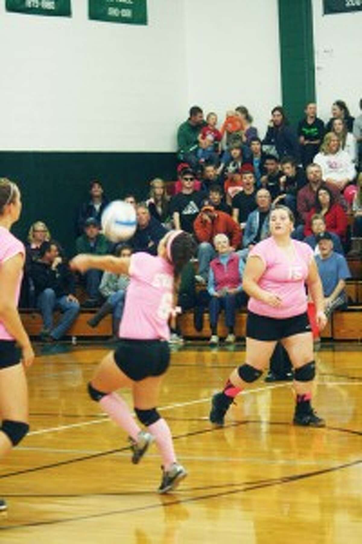 volleyball: Evart's Tabby Turley (6) goes after the ball against Pine River last week. (Herald Review photo/John Raffel)