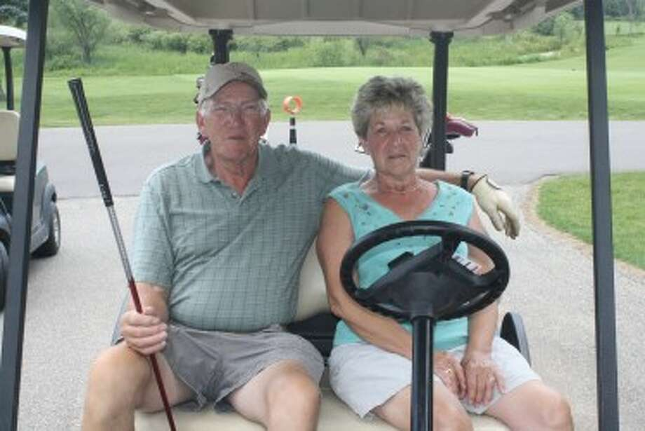 COUPLES ACTIVITY: Don and Susan Andreen are active golfers at Tustin Trails Golf Course. (Pioneer photo/John Raffel)