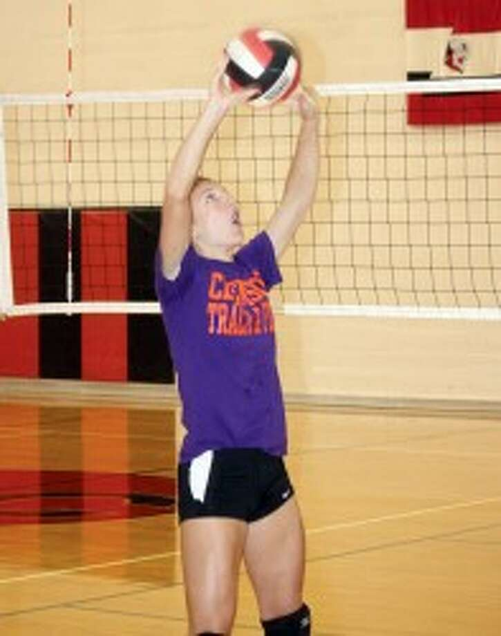 PERFECT SET: Sami Michell works on her hitting during a Reed City volleyball practice. (Herald Review photo/JohnRaffel)