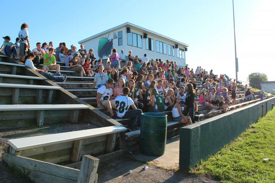 REUNITED: Pine River School District students, staff and parents united Monday evening for a back-to-school celebration. The district held open houses at each of its five school buildings before meeting at the football stadium for food and fun. (Herald Review photos/Sarah Neubecker)